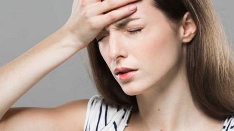 Đau nửa đầu chóng mặt buồn nôn chớ chủ quan