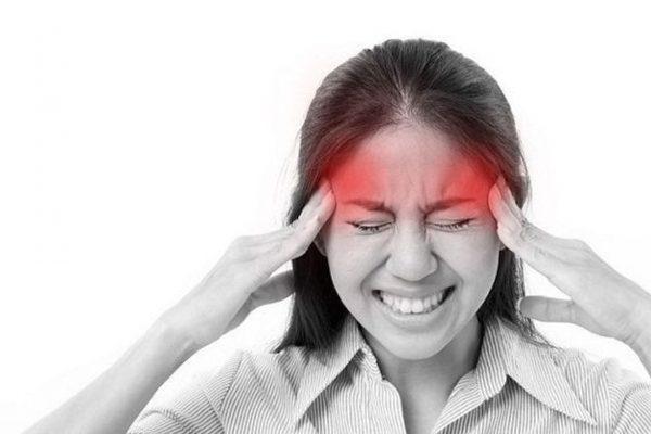 đau đầu mạn tính hàng ngày