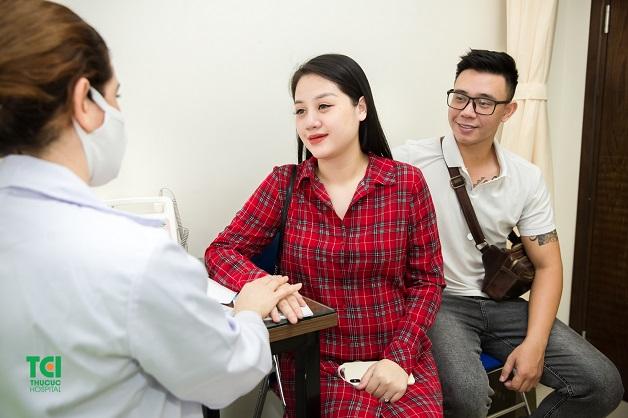 Để biết cách xử trí tiền sản giật phù hợp, mẹ bầu nên đi khám thai thường xuyên
