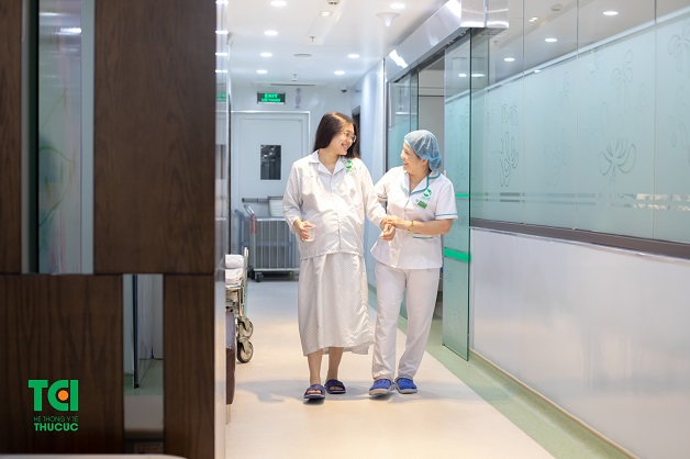 Khi tử cung mở, chị em nên nhanh chóng tới bệnh viện