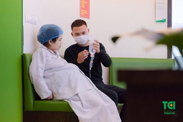 Khi vỡ ối, mẹ bầu cần phải nhanh chóng tới bệnh viện