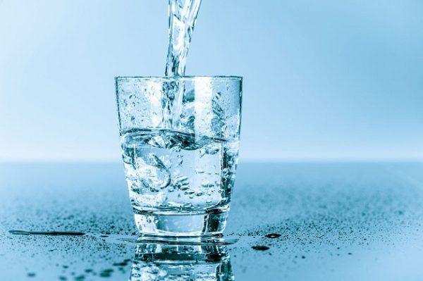 Đừng bao giờ quên việc phải bổ sung thật nhiều nước để phòng ngừa tái phát sỏi