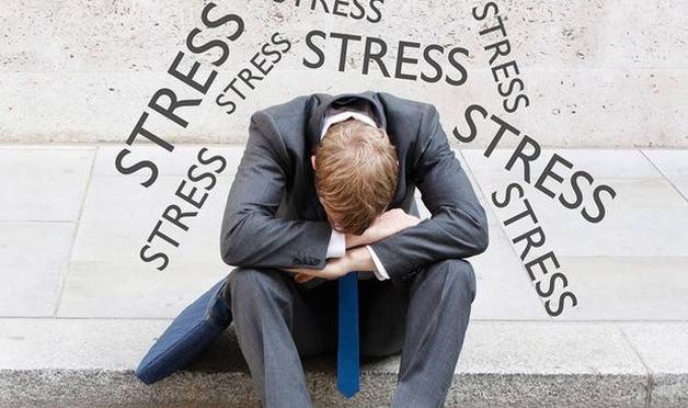 một số yếu tố thuận lợi gây đau nửa đầu bên phải