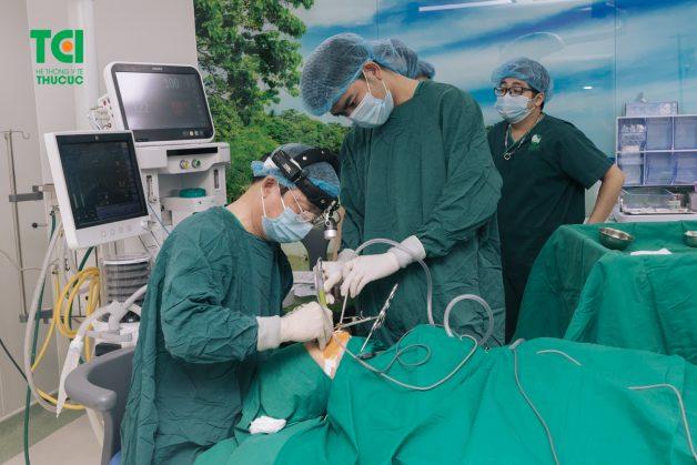Phẫu thuật nạo túi lợi là một thủ thuật được thực hiện nhằm điều trị bệnh lý viêm quanh răng