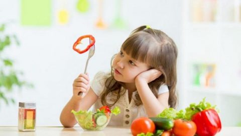 Trào ngược dạ dày ở trẻ 2 tuổi nguyên nhân, dấu hiệu