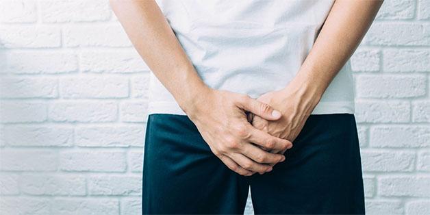 Viêm bao quy đầu là gì? đây là bệnh lý với biểu hiện đặc trưng sưng tấy, đau rát ở vùng quy đầu của dương vật.