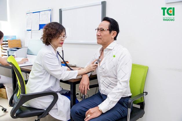 Khi có bất kì dấu hiệu nào của viêm thanh quản cần phải đến bệnh viện uy tín để thăm khám và điều trị kịp thời.