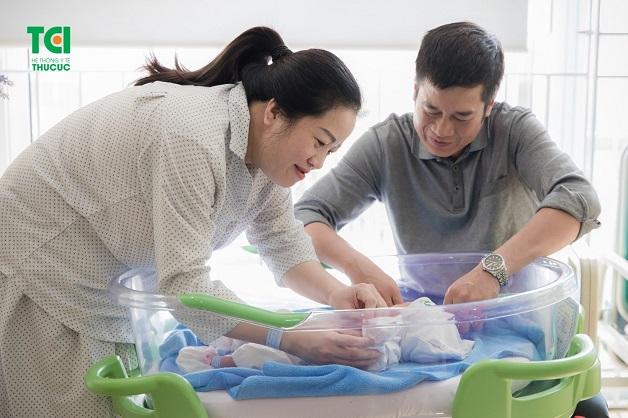 Bé Trọng Minh chào đời là món quà vô giá với gia đình chị Thủy