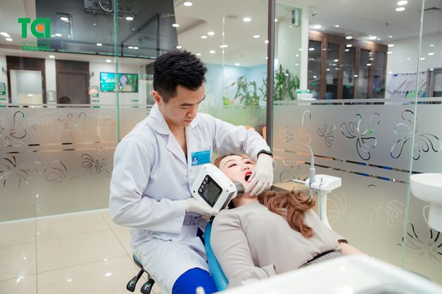 Quá trình nhổ răng khôn diễn ra nhanh chóng, chỉ trong vòng 10 - 15 phút