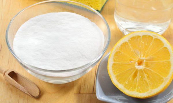 baking soda và chanh tươi kết hợp để giúp tẩy trắng răng