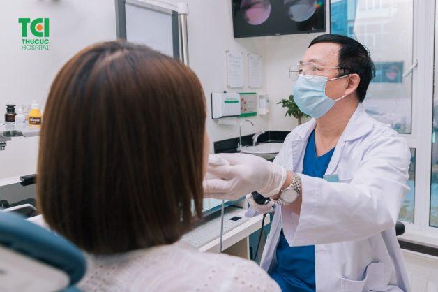 Làm thế nào để chẩn đoán và điều trị khản tiếng lâu ngày?