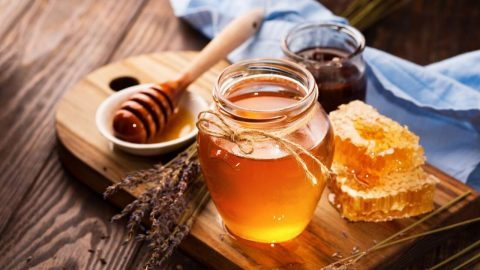 Mách bạn cách chữa nhiệt miệng bằng mật ong đơn giản