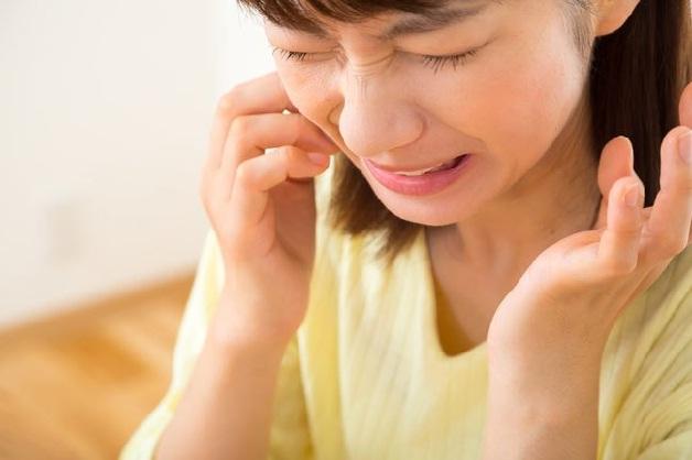Có nhiều nguyên nhân gây đau buốt răng hàm