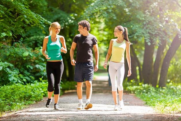Thường xuyên tập luyện thể dục, đi bộ… giúp hỗ trợ quá trình điều trị hội chứng ruột kích thích