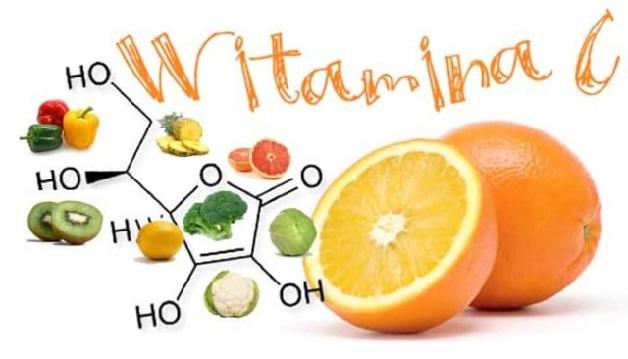 Khi bị viêm loét niêm mạc miệng, bạn nên ăn nhiều thực phẩm giàu vitamin C