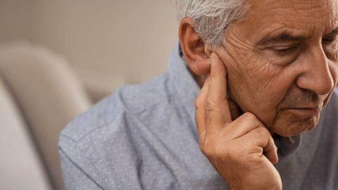 Bệnh ù tai ở người lớn tuổi và những điều cần biết