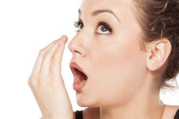 Hôi miệng là tình trạng mà hơi thở của người bệnh có mùi khó chịu, gây ảnh hưởng tới người xung quanh khi giao tiếp.