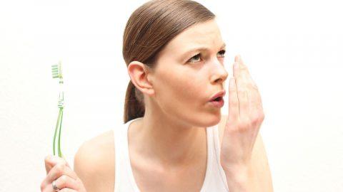 Tìm hiểu về hôi miệng nặng: Nguyên nhân và cách điều trị