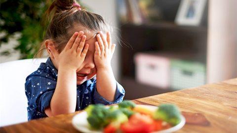 Trẻ biếng ăn vì sao: 5 nguyên nhân mẹ đã biết?