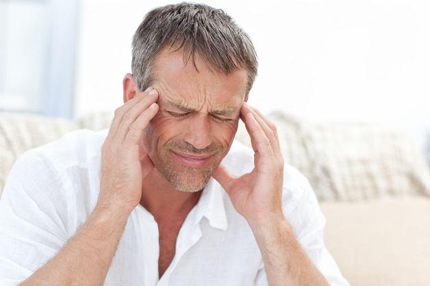 Dấu hiệu ung thư vòm họng - Đau đầu