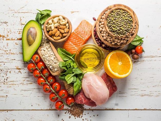 Chăm sóc bệnh nhân sa sút trí tuệ bằng chế độ dinh dưỡng khoa học sẽ giúp người bệnh cải thiện sức khỏe nhanh chóng.