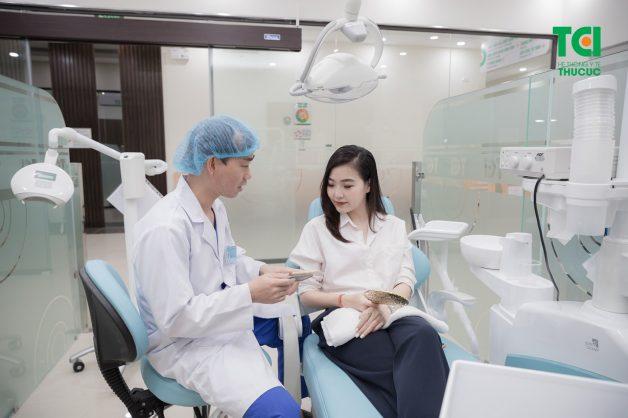 Thời gian đầu, người bệnh cần đến cơ sở nha khoa thường xuyên (khoảng 3 - 6 tuần/lần)