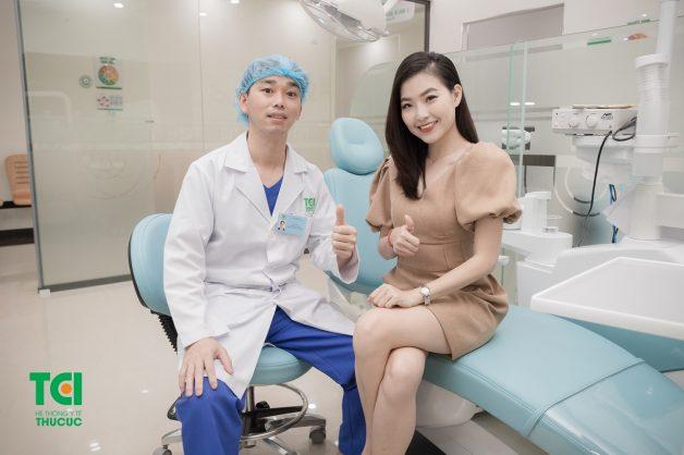 Nhổ răng khôn là một thủ thuật không quá phức tạp tuy nhiên bạn cần lựa chọn thực hiện ở các cơ sở nha khoa uy tín để không gây ra những biến chứng nguy hiểm