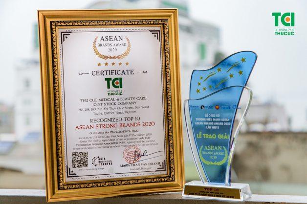 Mới đây, Hệ thống Y tế Thu Cúc vừa nhận được danh hiệu TOP 10 Thương hiệu mạnh ASEAN 2020. Đây được coi là dấu mốc quan trọng thể hiện sự tin tưởng và lựa chọn của khách hàng.