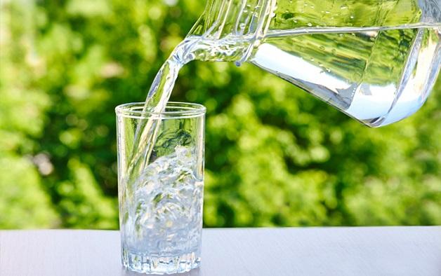 Cung cấp đủ nước cho cơ thể là cách hạ men gan cao