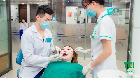 Nguyên nhân và cách khắc phục tình trạng cạo vôi răng bị ê buốt
