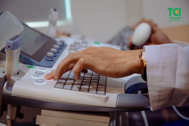Cấu trúc hình khối sẽ được tự động phân tích thành các loạt hình thường quy, tự động đo đạc thông qua một nút bấm trên bàn phím.