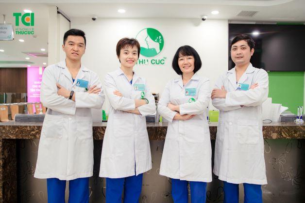 Đội ngũ giáo sư, bác sĩ đầu ngành giúp điều trị bệnh lý khoang miệng hiệu quả.
