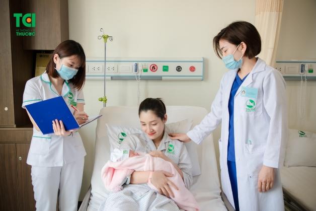 Mẹ được chăm sóc chu đáo, tận tâm 24/24 sau khi sinh