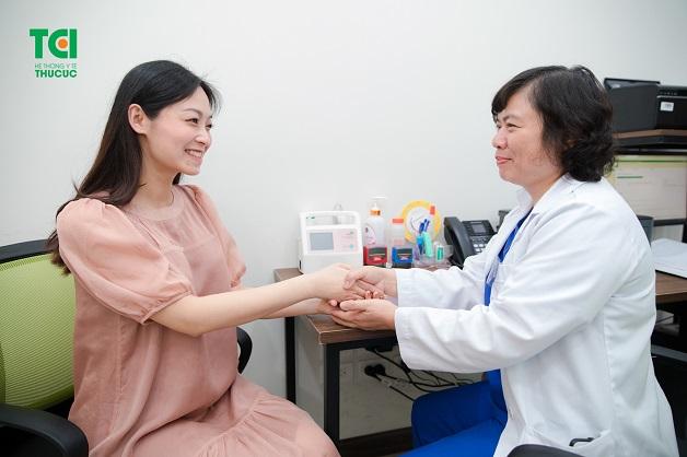 Mẹ bầu nên đi khám phụ khoa khi mang thai