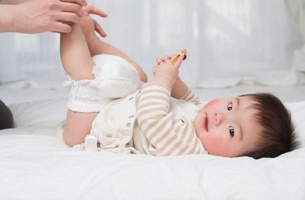 Nguyên nhân chính khiến trẻ sơ sinh bị đi ngoài có bọt