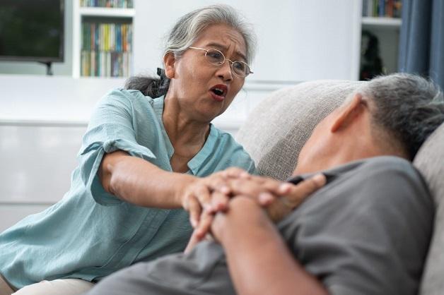 Hở - hẹp van tim nếu không được phát hiện và điều trị kịp thời có thể biến chứng suy tim, nhồi máu cơ tim, đột quỵ