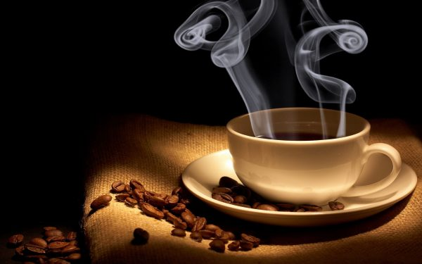 nhổ răng số 8 cần phải kiêng cà phê nóng