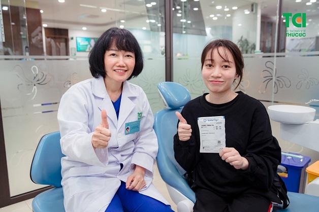 Chị Trương Hoàng Mai hoàn toàn hài lòng khi sử dụng dịch vụ niềng răng Invisalign tại bệnh viện Thu Cúc