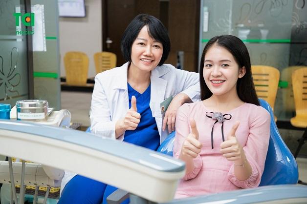 Kỹ thuật niềng răng bằng mắc cài kim loại có chi phí hợp lý nhất so với các phương pháp niềng khác nên vẫn được ưa chuộng