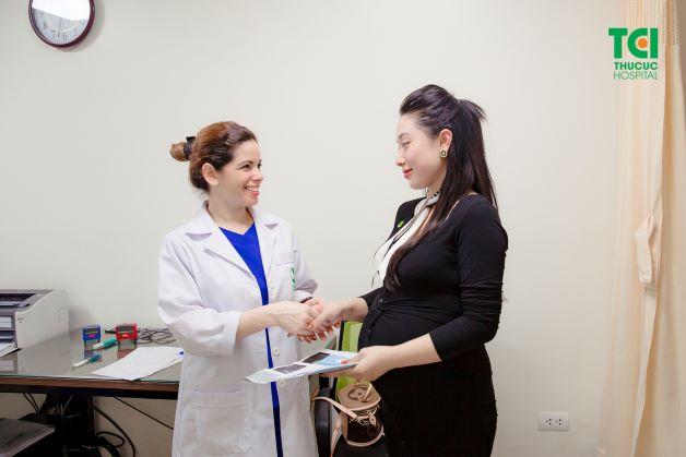 Prostaglandin có vai trò làm mềm cổ tử cung và giúp quá trình chuyển dạ diễn ra suôn sẻ hơn.
