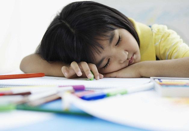 Khi bị thiếu máu, trẻ luôn cảm thấy mệt mỏi, uể oải, không tập trung