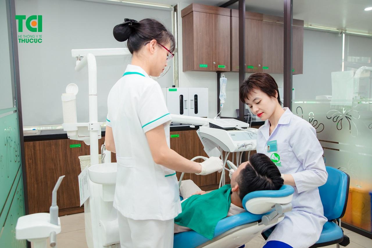 Khi niềng rang, cần duy trì thăm khám răng miệng định kỳ theo lịch hẹn để đạt kết quả tốt nhất