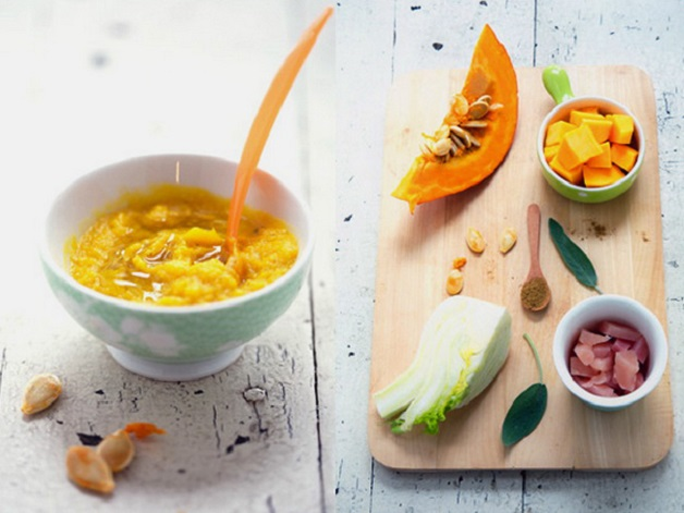 Trong thời kỳ trẻ biếng ăn khi mọc răng nanh mẹ nên chế biến đa dạng các món cháo, súp từ rau của quả, thịt,... cho bé