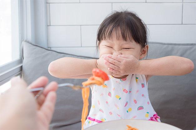 Biếng ăn ở trẻ 1 tuổi trở lên