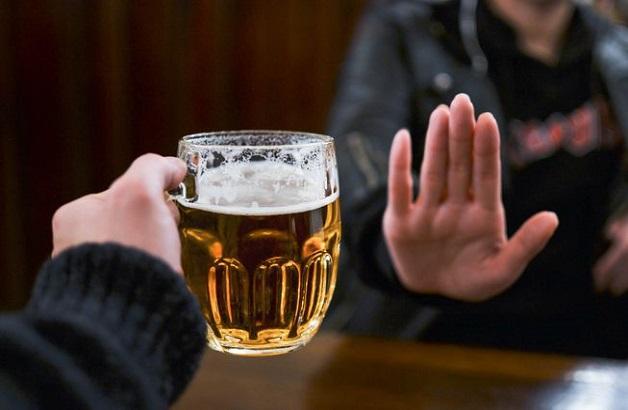 Người bị viêm gan tuyệt đối tránh xa rượu bia, chất kích thích