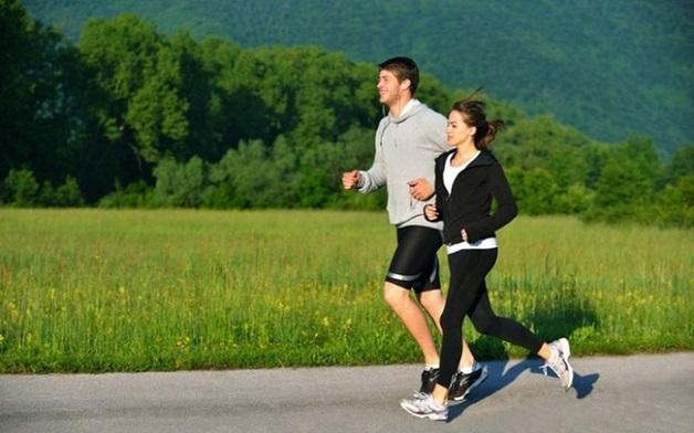 Nên thường xuyên tập thể thao để nâng cao sức khỏe.