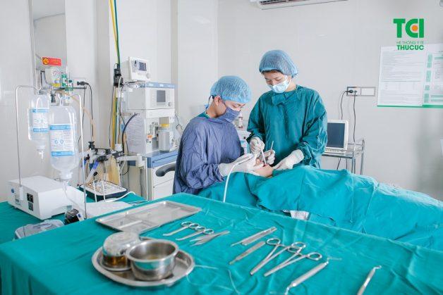 Cấy ghép implant tiết kiệm được chi phí cho người sử dụng vì răng implant có thể dùng được cả đời