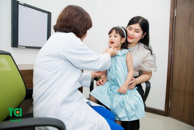 hàn răng sâu cho trẻ em