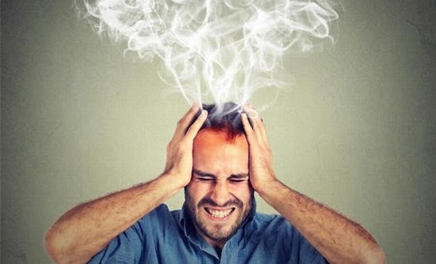 Bị đau đầu mãn tính là như thế nào