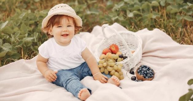 Bố mẹ nên cho trẻ ăn những món mà con thích